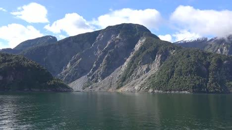 Chile-Aisen-Fjord-Landslide-Tracks