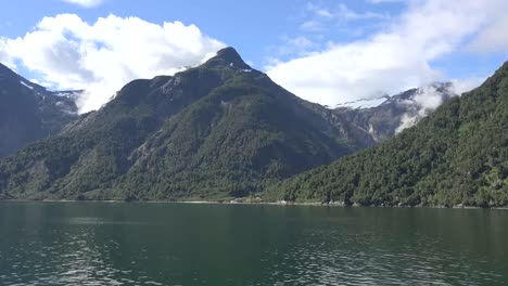 Chile-Aisen-Fjord-Mountain-View