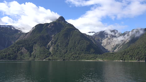 Chile-Aisen-Fjord-Passing-Cirques