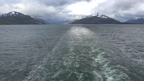 Chile-Beagle-Channel-Wake-With-Scenery