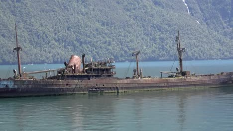 Chile-Captain-Leonidas-Passing-Rusted-Wreck