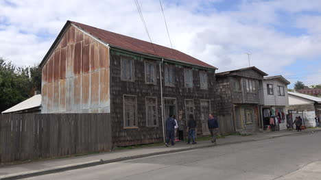 Chile-Chiloe-Chonchi-House-And-People