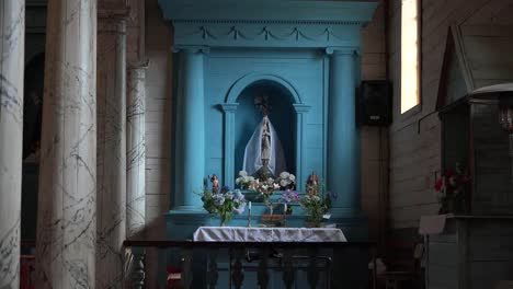 Chile-Chiloe-Image-Of-Virgin-Mary-Zoom-In