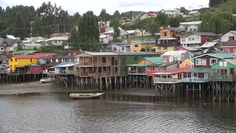 Chile-Chiloe-Palafitos-Or-Houses-On-Stilts-Zooms-In