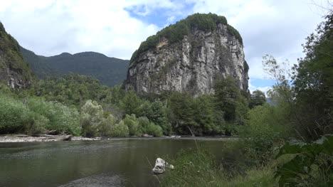 Chile-Patagonia-Rock-On-Rio-Simpson