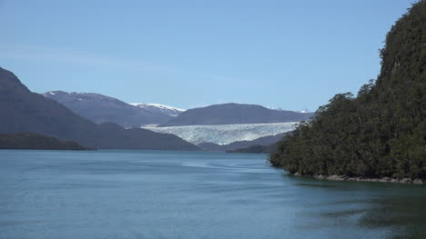 Chile-Tempanos-Glacier-Moves-Out-Of-Sight