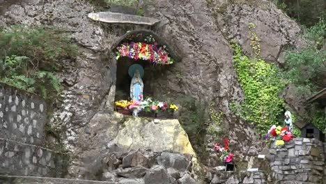 Chile-Virgin-Mary-Shrine-With-Lourdes-Associations