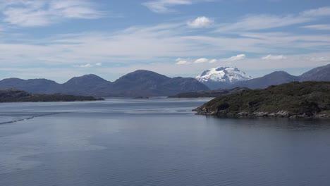 Chile-Se-Acerca-A-La-Isla-Y-Al-Volcán