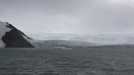 Antarctica-Icy-Shore-Zoom-In