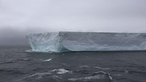 Antarctica-Large-Tabular-Iceberg
