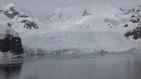 Antarctica-Pan-And-Zoom-On-Glacier