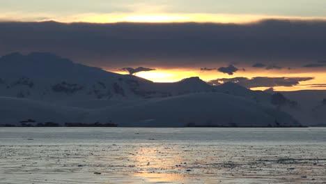 Antarctica-Sunrise-Zooms-Toward-Sun