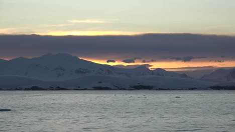 Antarctica-Zooms-In-On-Coast-At-Dawn