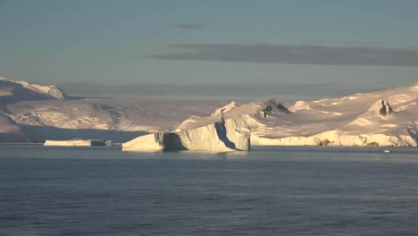 Antarctica-Zooms-Out-From-A-Floating-Iceberg