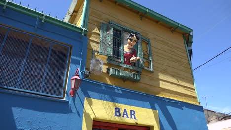 Argentina-Buenos-Aires-La-Boca-Woman-Image-In-Window
