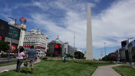 Argentina-Buenos-Aires-Family-By-The-Obelisk