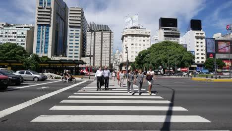 Argentina-Buenos-Aires-People-In-Crosswalk