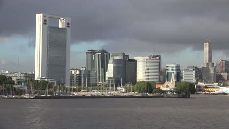 Argentina-Buenos-Aires-Skyline-And-Yacht-Harbor