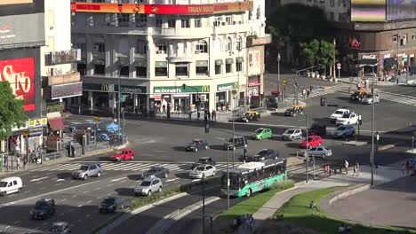 Argentina-Buenos-Aires-Traffic-On-Avenue-Pans-And-Zooms