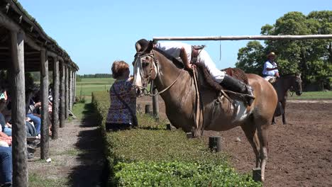 Argentina-Estancia-Gaucho-Gives-Kiss