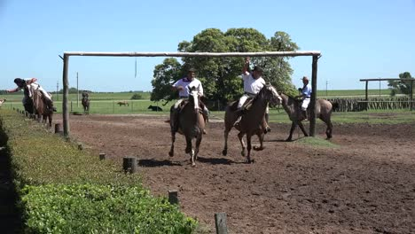 Argentina-Estancia-Ring-Game-With-Gauchos
