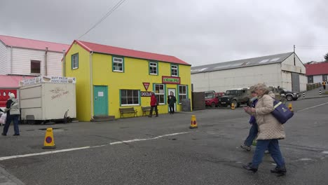 Falklands-Port-Stanley-Pans-To-Yellow-Building