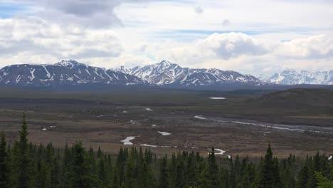 Alaska-Denali-Park-View-Of-River-Valley
