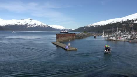 Alaska-Whittier-Boat-Sailing-In-Harbor