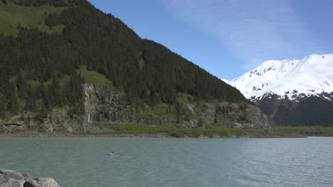 Alaska-Kayak-In-Lake-With-Snowy-Mountain