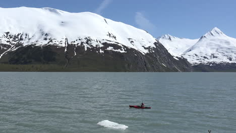 Alaska-Man-In-Kayak-Pan