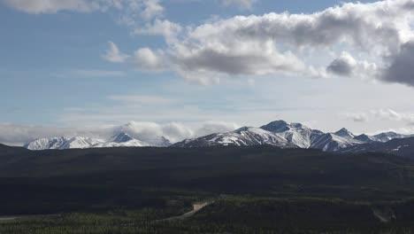 Alaska-Pan-And-Zoom-Mountain-Range