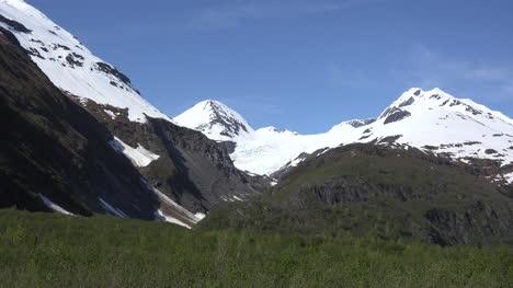 Alaska-Zooms-On-Hanging-Glacier