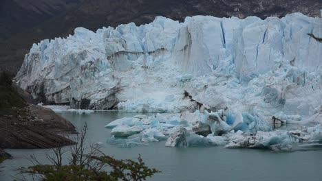 Argentina-Fallen-Ice-From-Glacier