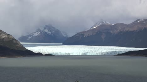 Argentina-Glacier-View-With-Mountains-In-Distance