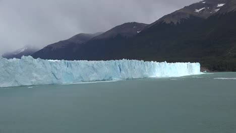 Argentina-Sunlight-Moves-Across-Face-Of-Glacier-Time-Lapse