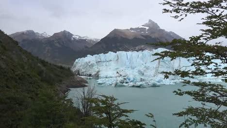 Argentina-Zooms-Toward-Perito-Moreno-Glacier