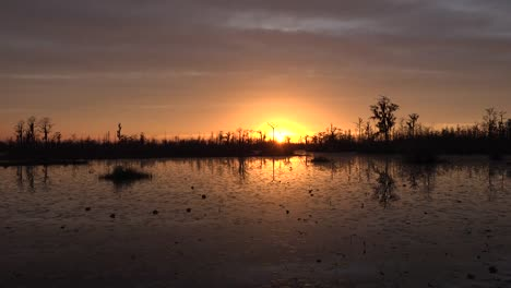Georgia-Okefenokee-Sun-Dropping-On-The-Horizon
