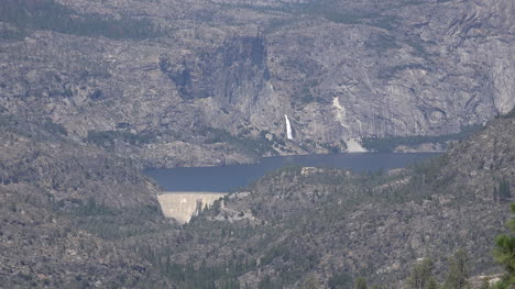 California-Hetch-Hetchy-Dam-And-Lake-Zooms-Out