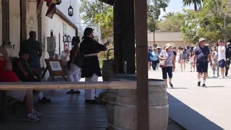 Kalifornien-San-Diego-Altstadt-Historische-Kostüme-Touristen-Leitartikel