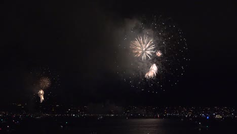 California-San-Diego-Beautiful-Fireworks-Bursts-Over-Bay
