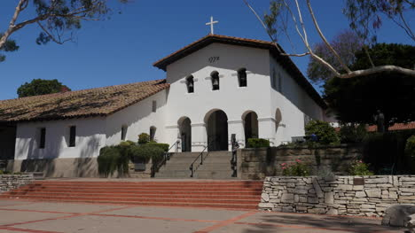 California-San-Luis-Obispo-Mission-Front-With-Tourists