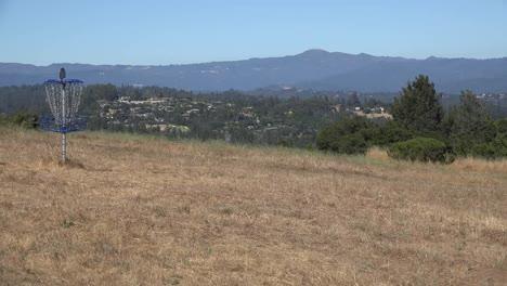 Kalifornien-Santa-Cruz-Discgolf-Korb