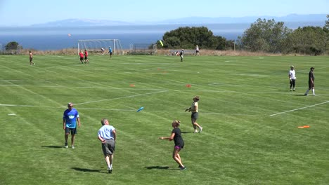 California-Santa-Cruz-Disc-Tourney-Warmups