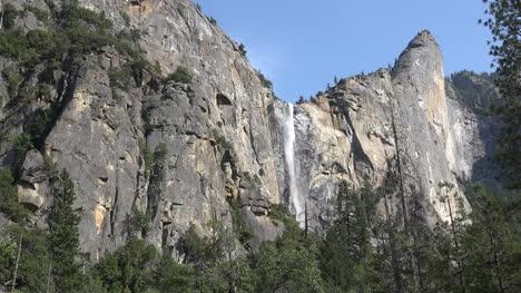 California-Yosemite-Bridalveil-Falls-Vista