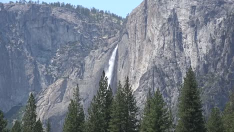 California-Yosemite-Falls-Plunging