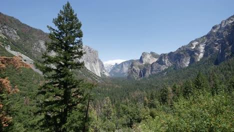 California-Beautiful-View-Of-Yosemite-Valley