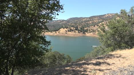 California-Boat-On-Don-Pedro-Lake