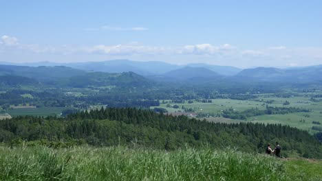 Oregon-Couple-Above-Willamette-Valley