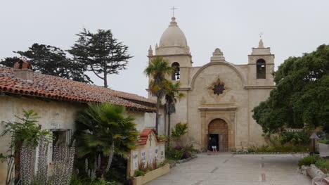California-Carmel-Mission-San-Carlos-Pan