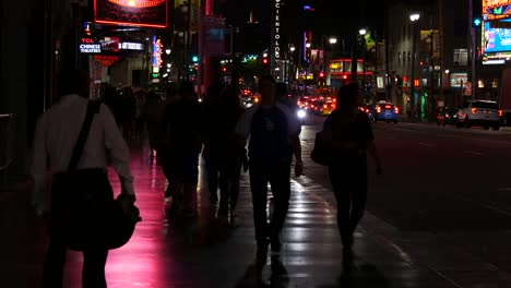 California-Los-Angeles-Many-Pedestrians-At-Night